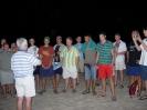 014-Spiewanie na plazy noca